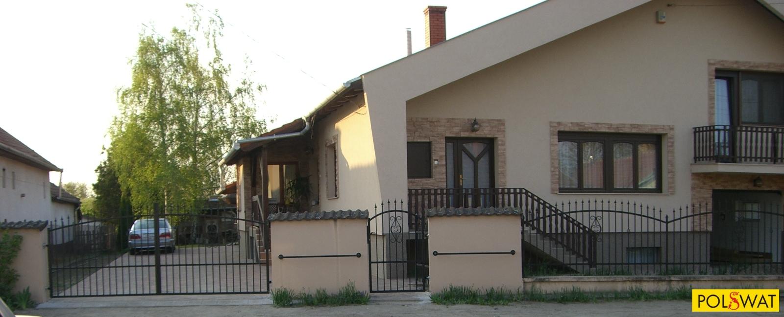 kapu, kerítés, kovácsoltvas korlát
